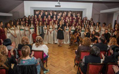 Хор и оркестар – фото галерија